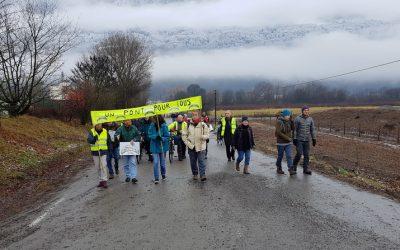 Manifestation pour le pont de la Buissière